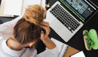 6+1 tips για να την παλέψεις στην δουλειά μετά από μια νύχτα αϋπνίας