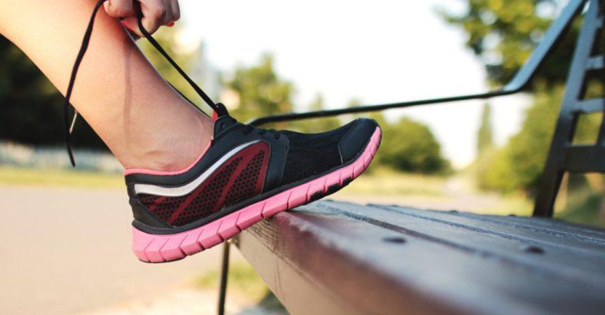 8ca17e68738 Πώς να διώξεις τη δυσοσμία από τα αθλητικά σου παπούτσια - favourite.gr